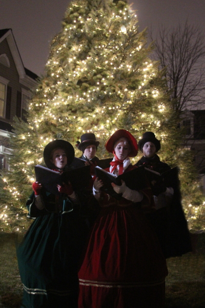 Victorian Carolers - Large Home